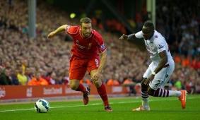 Lambert bangga bisa bermain bersama Stevie
