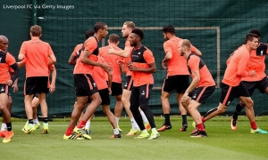 Latihan di Melwood sebelum tandang ke Burnley