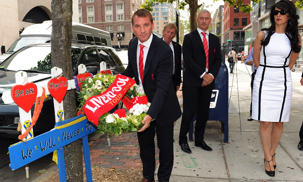 Photos: Reds lay Boston tribute