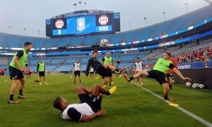 Pra Musim: Latihan LFC di Stadion Bank of America