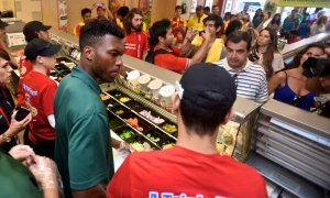 Dan and Jordan serve a Subway