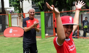 Rush and Didi visit Bangkok blind school