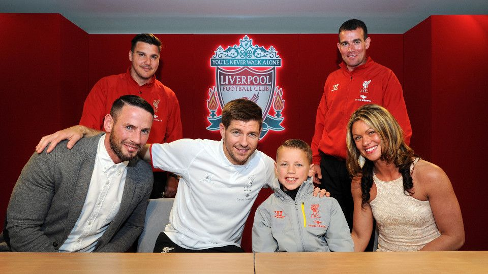 Stevie's surprise for Under 9s