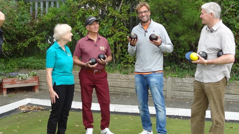 Must-watch: Klopp plays green bowls...
